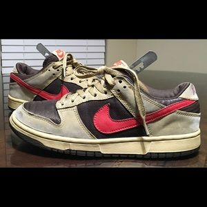 Women's size 8.5 Nike dunk vintage brown red
